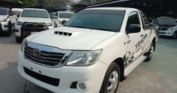 2015 – VIGO 2WD 2.5J MT STANDARD WHITE – 2431