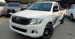2014 – VIGO 2WD 2.7J MT STANDARD WHITE – 4891