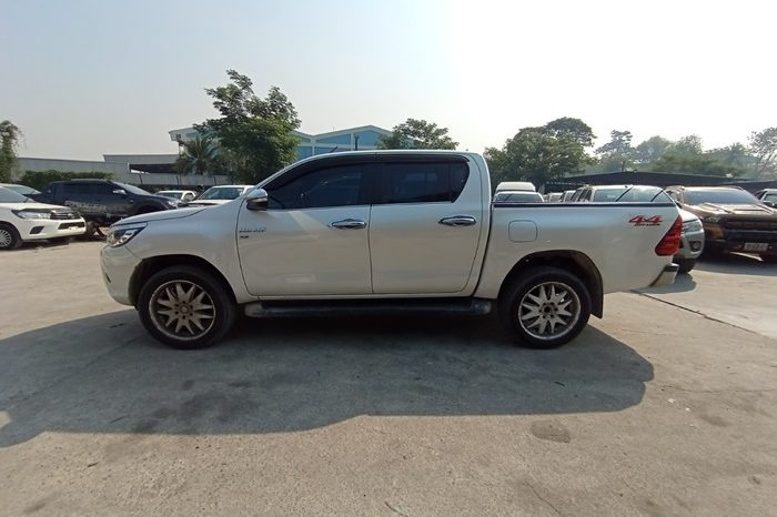 2017 – REVO 4WD 2.8G AT DOUBLE CAB WHITE – 6167 full