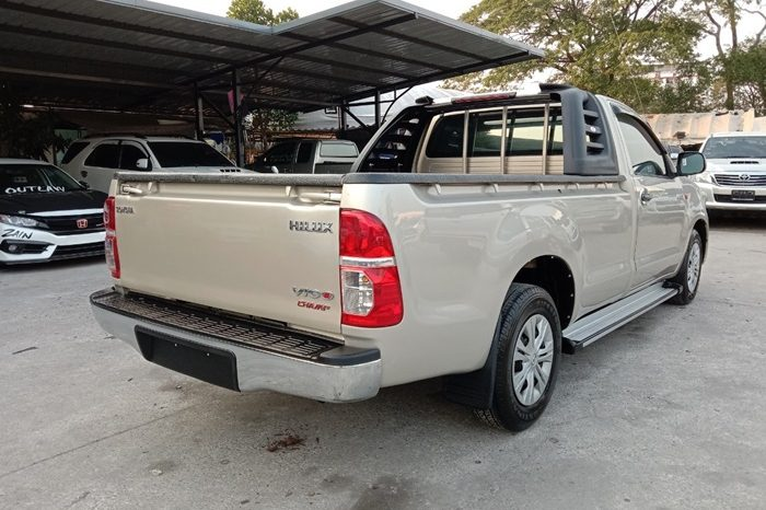 2015 – VIGO 2WD 2.5J MT STANDARD GOLD – 9506 full