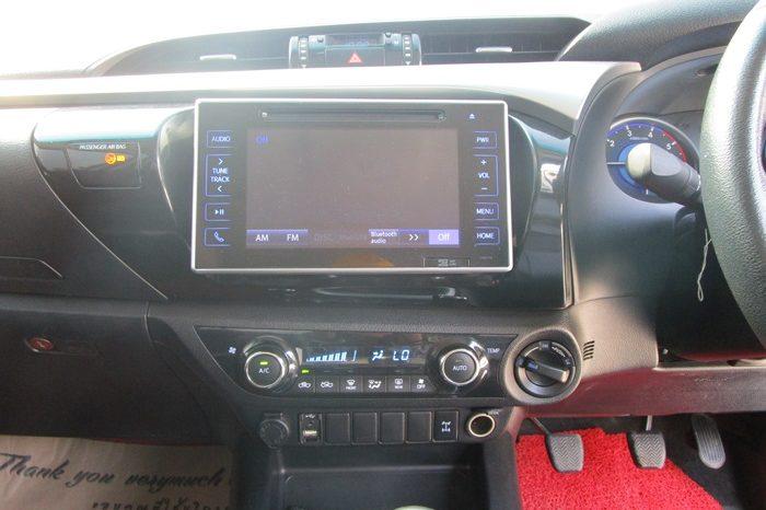 2017 – REVO 4WD 2.8G MT SMART CAB WHITE – 6622 full