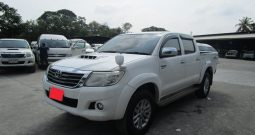 2014 – VIGO 2WD 2.5G AT DOUBLE CAB WHITE – 800