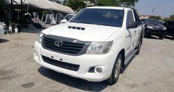 2015 – VIGO 2WD 2.5J MT STANDARD WHITE – 2139