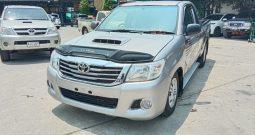 2015 – VIGO 2WD 2.5J MT STANDARD SILVER – 2653