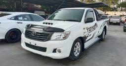 2014 – VIGO 2WD 2.5J MT STANDARD WHITE – 9062