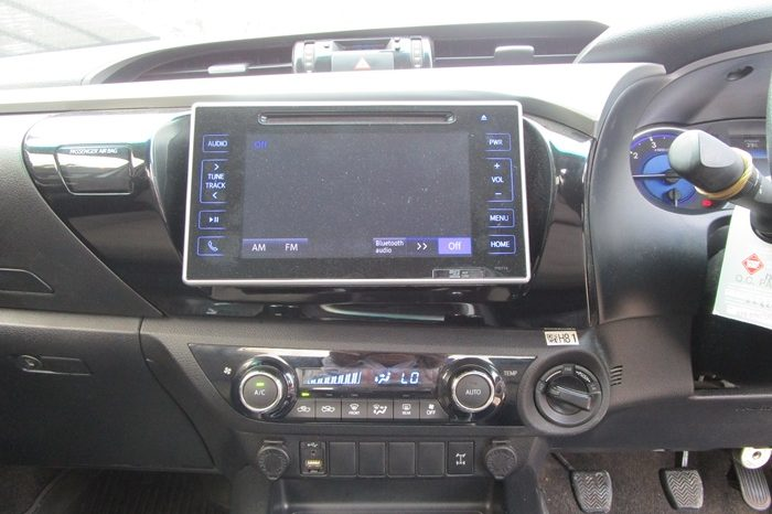 2018 – REVO 4WD 2.8G MT SMART CAB SILVER – 505 full