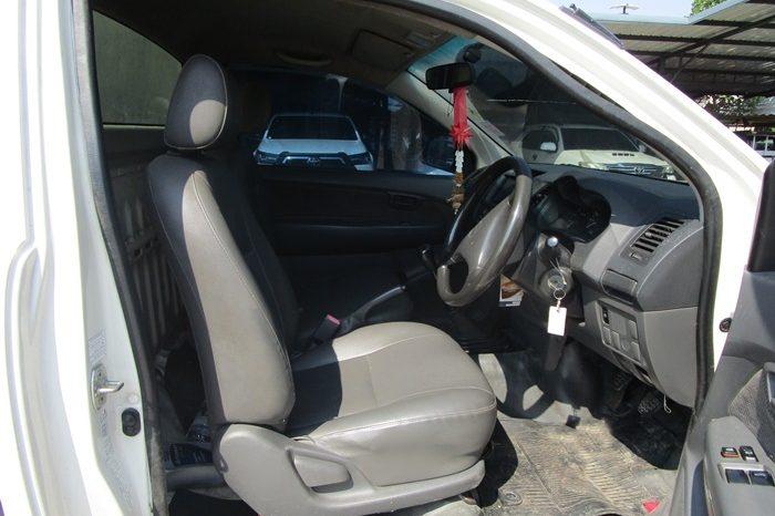 2014 – VIGO 2WD 2.5J MT STANDARD WHITE – 6642 full