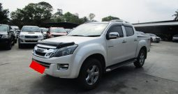 2015 – ISUZU 4WD 3.0 AT DOUBLE CAB WHITE – 8978