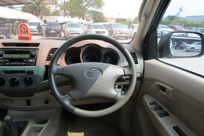 VIGO 4WD 2008 2.7G AT DOUBLE CAB SILVER – 9583 full