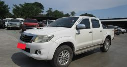 VIGO 2WD 2014 2.5E AT DOUBLE CAB WHITE 1126