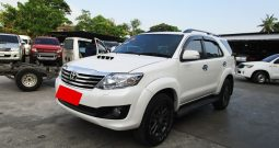TOYOTA 4WD 2015 3.0V AT FORTUNER WHITE 7608