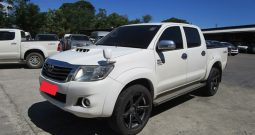 VIGO 4WD 2015 3.0G AT DOUBLE CAB WHITE 6577