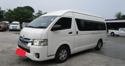 TOYOTA 2WD 2015 3.0 MT COMMUTER WHITE 0153