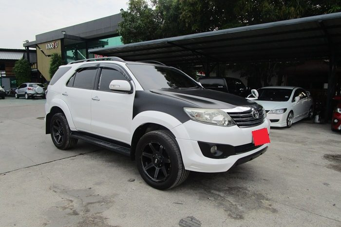 2014 – TOYOTA 2WD 2.7V AT FORTUNER WHITE – 1608 full