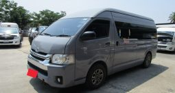 TOYOTA 2WD 2014 3.0 MT COMMUTER SILVER 7732